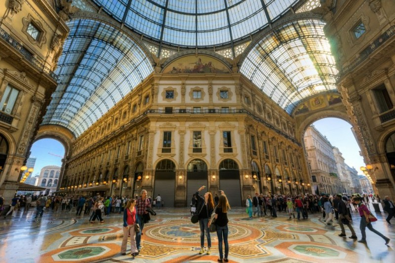 Hotel Château Monfort: dormire in una favola a 5 stelle a Milano ...